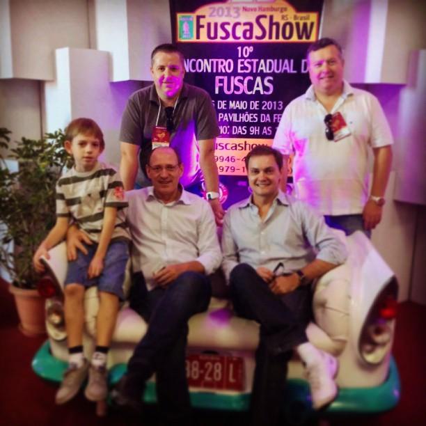 Luis lauermann e integrantes do Clube do Fusca Novo Hamburgo na FENAC